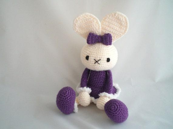 Amigurumi Floppy Ear Bunny : Crochet Rabbit / Amigurumi Bunny / Floppy Eared Rabbit