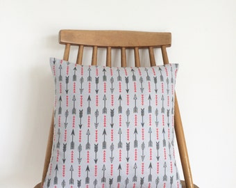 REDUCED! Arrows and triangles cushion, feather insert included.