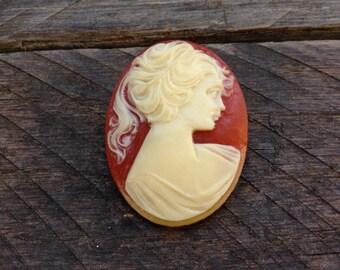 Vintage Tangerine & Cream Cameo Pin