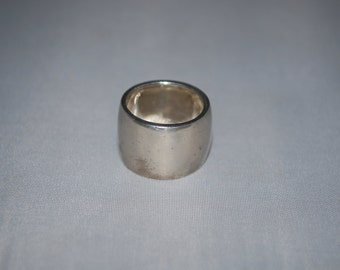 Sterling silver band ring size 5.5