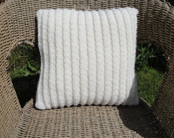 cream cushion cover, cable pillow cover, knitted cream cushion, home accessory, cozy pillow, cabled cushion,cream cabled pillow,cosy cushion