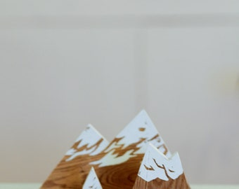 MOUNTAIN | Object wood decor. Silk screened 1 color