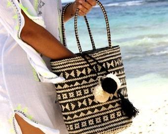 Pompom beach bag/Beach straw tote/Trendy pompom tote/Straw trendy bag/Casual chic tote * SALINAS STRAW TOTE