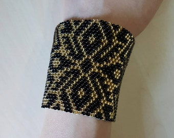 Black and gold peyote cuff