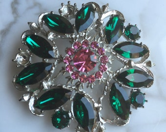 Vintage Weiss Brooch, Green and Pin Rhinestones