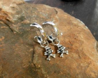 Men Silver Skull & Crossbones Charm End Bone Hoop Earrings With Oxidized Finish,Hazard Earrings,Bone Earrings,Symbol Earrings,Gifts For Men