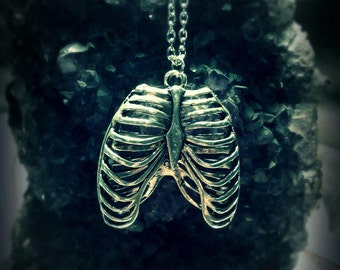 Necklace rib cage