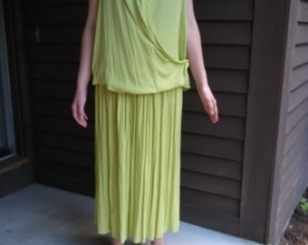 Spring Green Vintage 1970s Drapey Top/Skirt Outfit