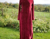 Red velvet dress with pointy hood, gothic Mrs Claus costume, Mrs Christmas, pagan Yule gown. Winter fairy costume, Hippie goth clothing