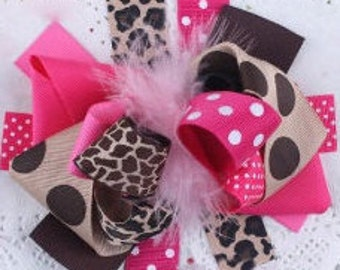 Big pink dot and leopard bow