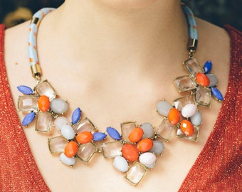 Flower stone necklace on bungee cord