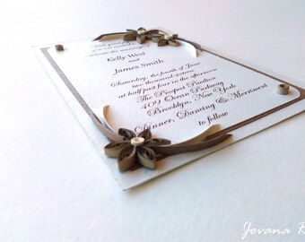 Handmade wedding invitations with quilling flowers