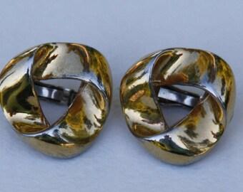 Vintage earrings Vendome. Vendome jewellery. Vintage jewellery. Clip on earrings. Gold tone earrings. Abstract earrings.