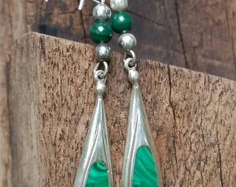 Ladies malachite and sterling silver drop / dangle earrings.