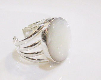 Mother Of Pearl Ring, Sterling Silver Ring, Adjustable Ring, Unique Ring, Bridal Ring, White Stone Ring, Uniqe Ring, Gemstone ring, Statment