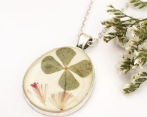 Lucky clover necklace, Shamrock pendant, Botanical resin pendant, Silver necklace with real clover, Resin jewelry, Real flowers pendant