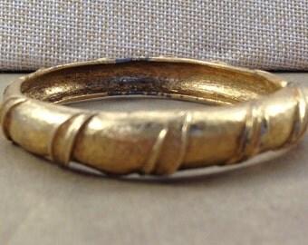 Gorgeous Signed Vintage Estate Monet Textured Gold Tone Bangle Bracelet