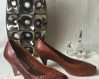 Vintage 1980s Russet Leather Pumps: INEZ
