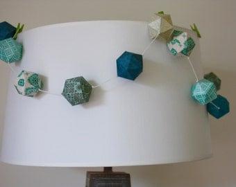 Paper balls garland - Blue patterns