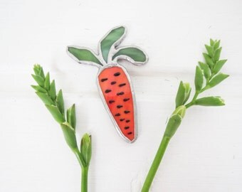 Carrot brooch, stained glass carrot, pendant, glass jewelry, vegetable brooch, vegan, vegetarian
