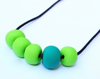 TALBINGO | polymer clay 5 bead lime & green necklace