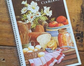 Menu Planner Cookbook, Miriam B. Loos | Vintage 1970s Cook Book, Vintage Recipes, Recipe Book, Vintage Kitchen, Vintage Retro Cookbook
