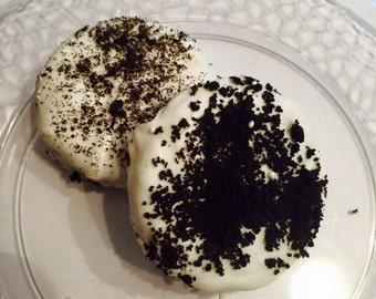 White Chocolate-Covered Oreos