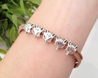 29 Colors | Little Fox Bracelet, Animal Jewelry, Small Fox Head Beads, Fox Jewelry, Suede Cord, Cute Coyote Wolf Charm, Antique Silver