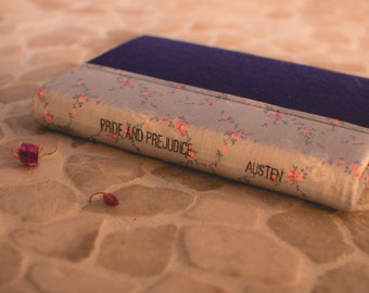 Pride and Prejudice by Jane Austen: Hand-covered Hardback