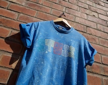 SALE! Stüssy Sketchy Spellout Tie dyed Speckled Blue Retro Vintage Style Tee T-Shirt. Stussy Mens Ladies Unisex Festival / Ibiza / Summer