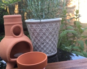 Miniature hand-painted plant pot - Pink