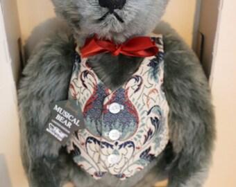 Vintage Steiff for Harrods Reproduction 1906 musical bear mint in box