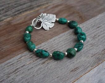 Green Stone Bracelet, Green and Silver Bracelet, Toggle Bracelet, Handmade Bracelet