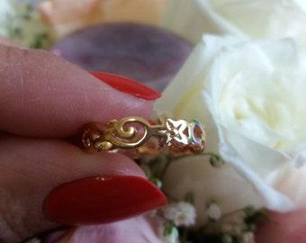 10 Karat Yellow Gold Vine Filigree Band Ring