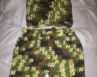 Crocheted Camo Outfit Size 0-3 months