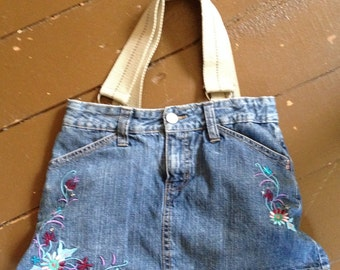 Denim purse // embroidered floral // upcycled // lined // 2 exterior pockets