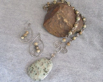 Colors of the Earth Necklace and Earrings Set