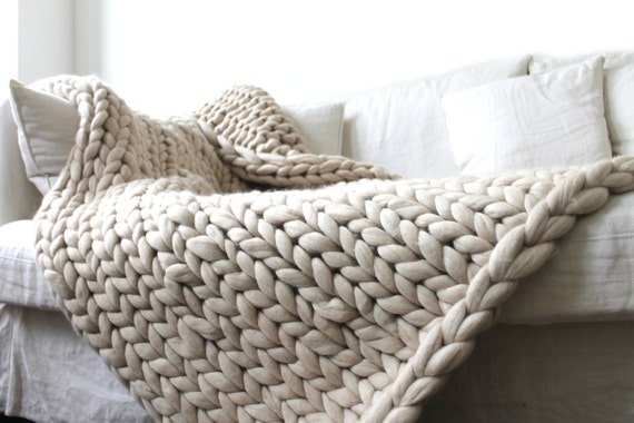 Plaid grosses mailles en laine 100 m rinos par unlongdimanche - Plaid en laine tricotee ...
