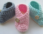 Baby Booties, Crochet Slippers, crib shoes // Made with 100% Cotton // You choose size and color // Baby Shower Gift or Pregnancy Reveal