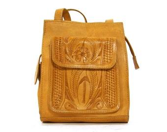 80s Tooled Leather Purse / Vintage 1980s Tooled Brown Leather Shoulder Bag with Pockets / Hippie Boho Bohemian Southwest Ethnic Folk Bag