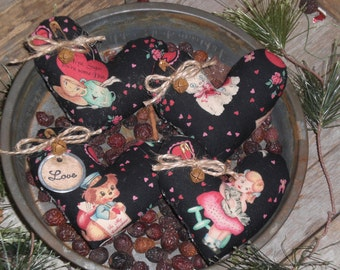 4 Primitive Vintage Retro Nostalgic Black Hearts LOVE Valentine February 14 Fabric Heart Bowl Fillers Ornies Ornaments Tucks Mini Pillows