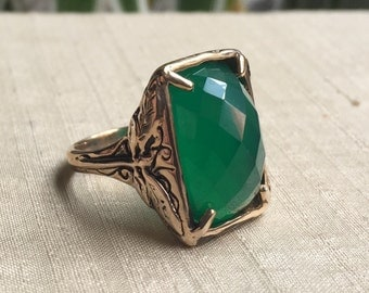 Faceted Green Onyx and Bronze Dragonfly Ring