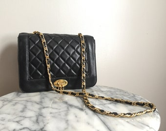 Lou - Beautiful Vintage Classic Quilted Leather Chain Strap Purse.