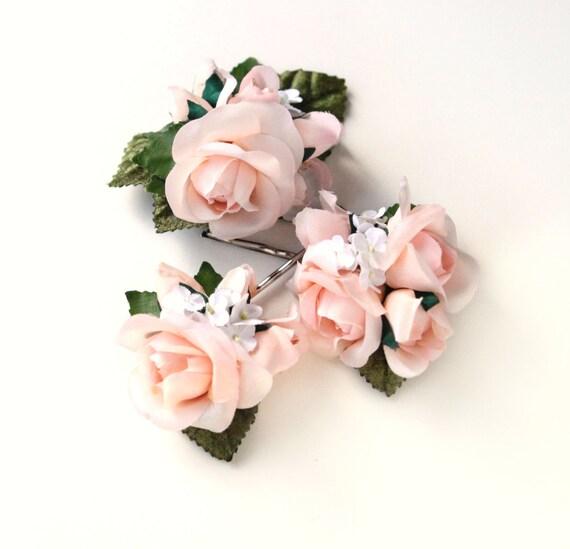 Pink rose flower clip set, Pastel blush hair clips, Pink flower headpiece, bridal hair accessory, wedding flower clips, Pink green spring