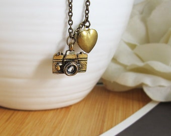 Vintage Style Camera Necklace. A Traveller Necklace. I Heart Photography. Antique Camera With Retro Heart locket Necklace