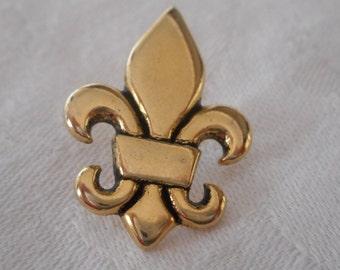 Realistic Fleur De Lis Gold Metal BUTTON