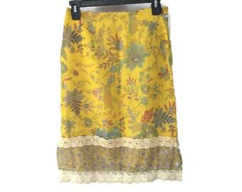 Vintage Skirt, Yellow Floral Midi Skirt, Vintage Boho Skirt, Prairie Style Lace Trim Side Slit Skirt, Vintage Bohemian Skirt, S 26 4 Skirt
