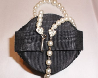 50s 60s Vintage Faux Pearl Choker Necklace with Rhinestone Heart Clasp