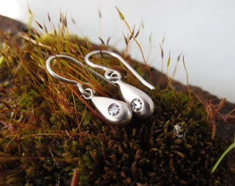 Recycled 18kt white gold and platinum solid drop earrings with diamonds
