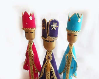1960s Kitsch Christmas Vintage Velveteen Wise Men Wooden Candlesticks Pink Purple Turquoise Wooden Holiday Figures Three Kings Bright Colors